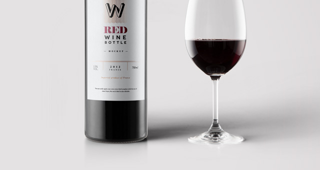 psd red wine bottle mockup psd mock up templates pixeden. Black Bedroom Furniture Sets. Home Design Ideas